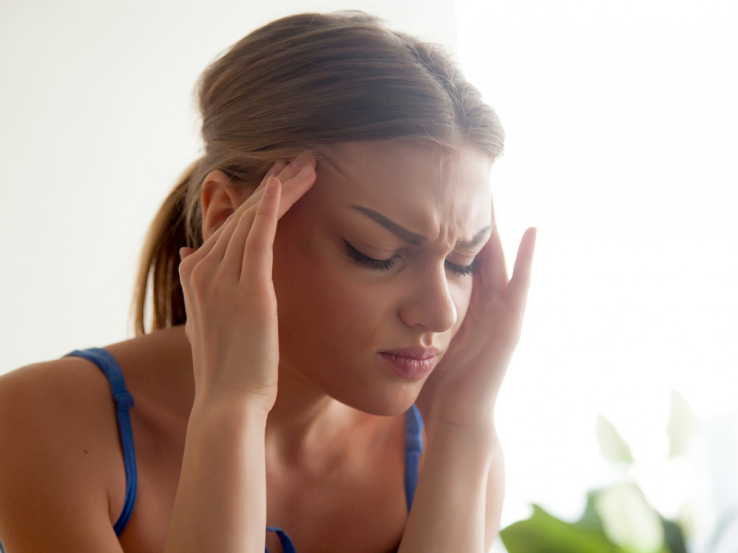 What does the treatment of cluster headaches involve?